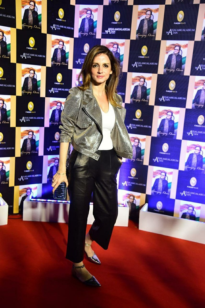 "<p style=""text-align: right;"">سنجے خان کی بیٹی سوزین خان نے بھی اس تقریب میں شرکت کی۔&nbsp;</p>"