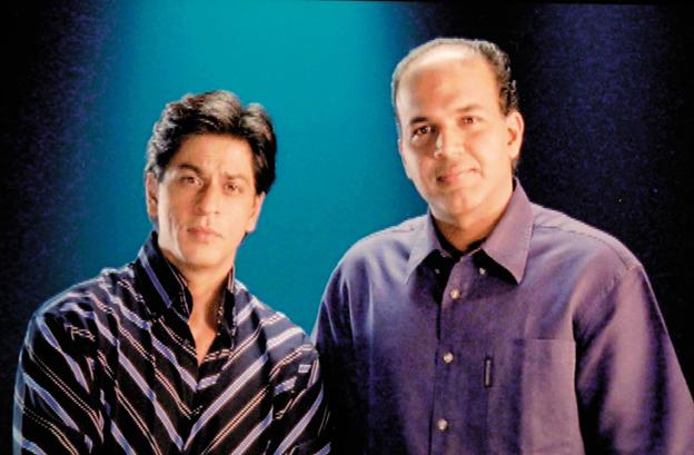 "<p style=""text-align: right;"">بالی ووڈ کے کنگ خان شا ہ رخ خان کے ساتھ آشوتوش نے ایک ٹی وی شومیں کام کیا تھا اور اس کے بعد ان دونوں نے سپرہٹ فلم سودیس میں ایک ساتھ کام کیا۔</p>"