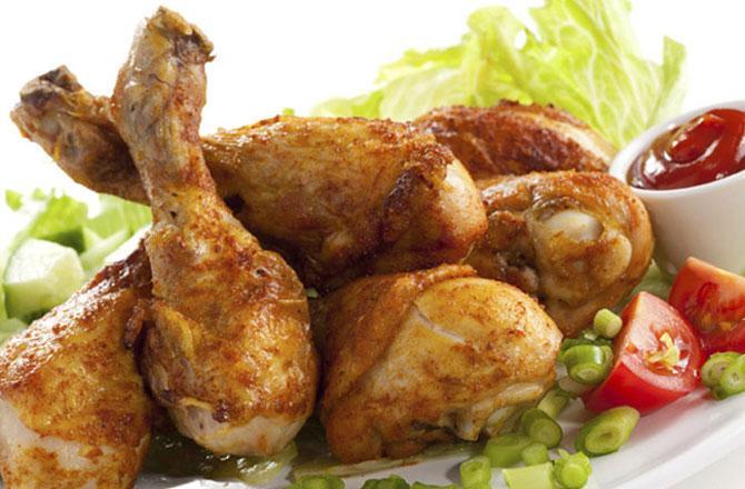 مرغی کے گوشت کا کاروبارمتاثر ۔ تصوہر : آئی این این