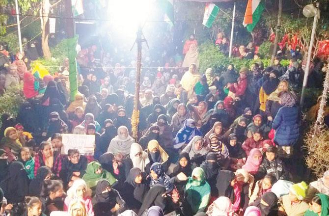 کانپور میں شہریت ایکٹ کیخلاف احتجاج کا ۱۳ وان دن