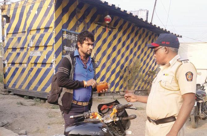 بھیونڈی : ٹریفک قوانین کی خلاف ورزی کرنے والوں کی خیرنہیں