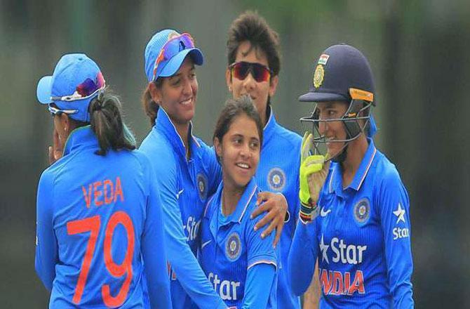ہندوستان خاتون کرکٹ ٹیم ۔ تصویر : آئی این این
