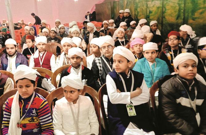 مراد آباد :۴۰؍دن با جماعت نماز ادا کرنے پر ۵۷؍بچوں کو سائیکل دی گئی