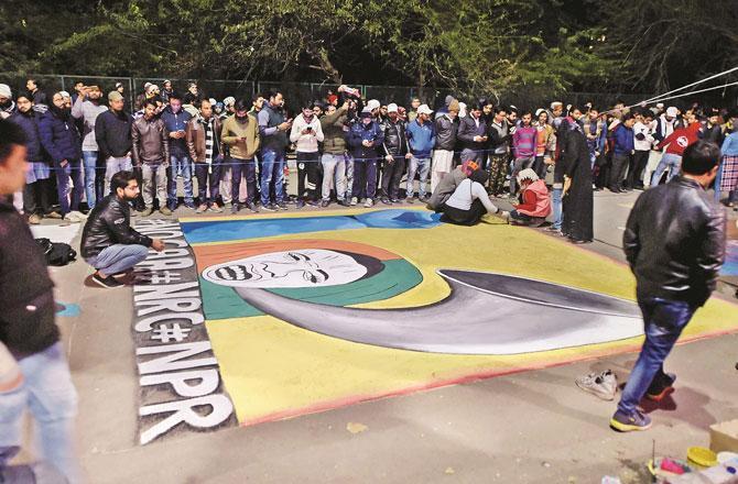 شاہین باغ میں طلبہ کا احتجاج ۔ تصویر : پی ٹی آئی