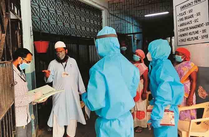 Health Worker - Pic : PTI