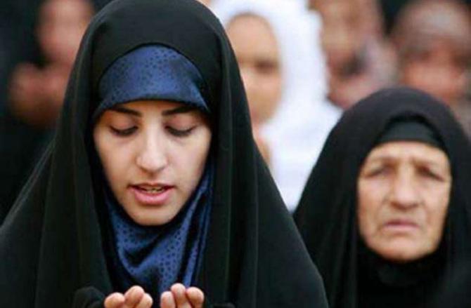 Muslim Girl Praying : Picture INN