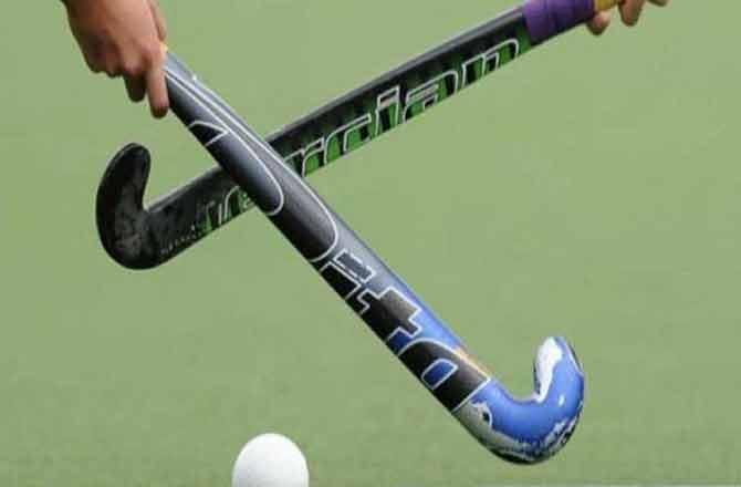Hockey Stick - Pic : INN