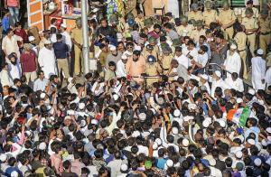 ممبئی باغ کی خواتین کے ساتھ پولیس کی زیادتی