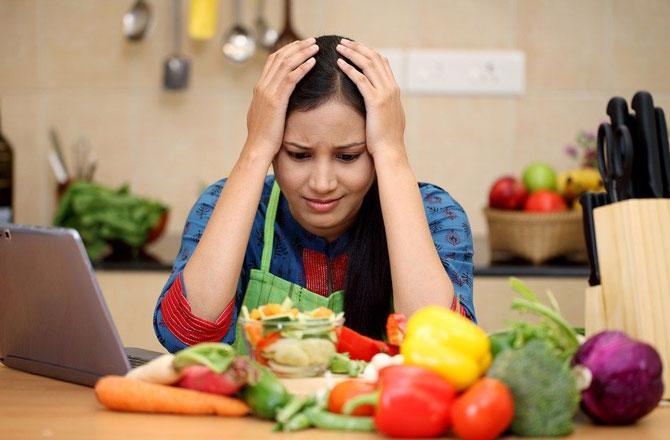 Women in Kitchen - Pic : INN