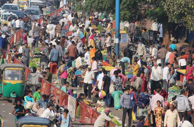 Surat Market - Pic : PTI