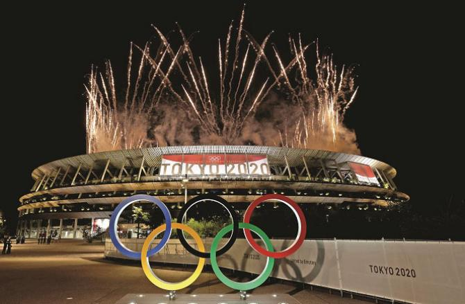 Outside the Olympic Stadium, the five colors of the .Picture:INN