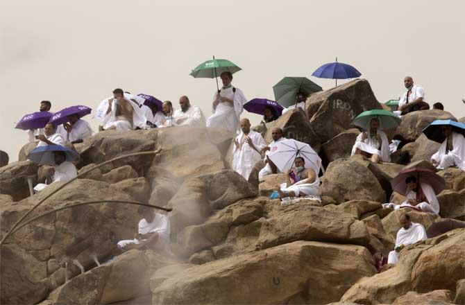 Pilgrims from all over the world in Saudi Arabia praying on Mount Mercy after Waqf Arafa.Picture: PTI