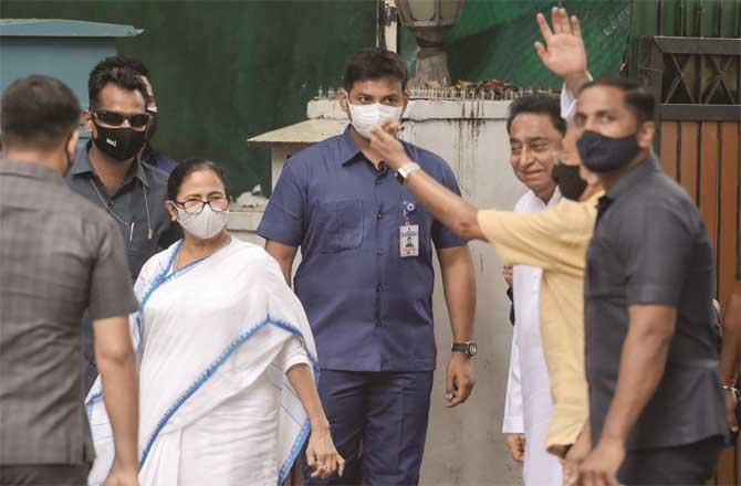 West Bengal Chief Minister Mamata Banerjee after meeting Congress leader Kamal Nath (pictured right). (PTI)