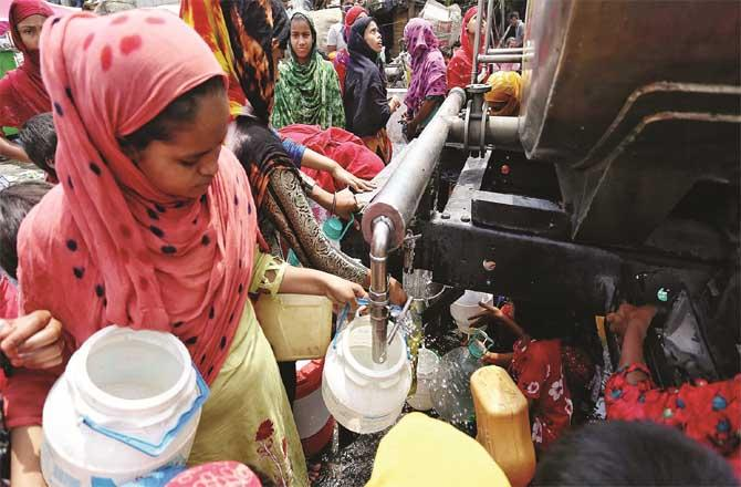 People across Mumbai have been worried about water for four or five days (file photo)