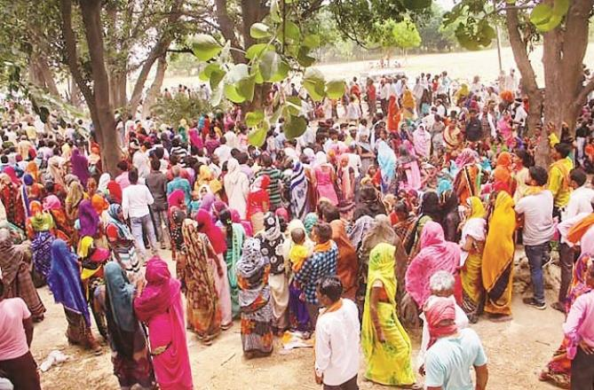 A large number of locals after the accident. Picture:PTI