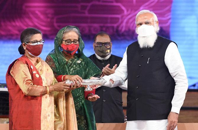 Modi in Bangladesh - Pic : PTI