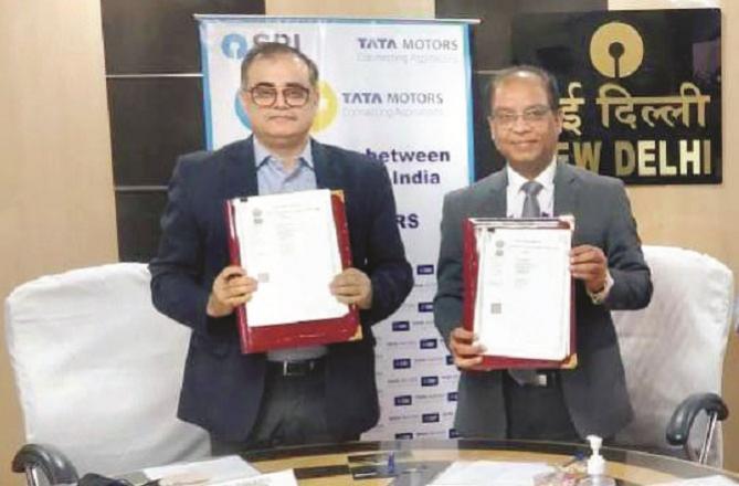 Rajesh Cole of Tata Motors and Subhash Chand Joywal of SBI. Picture:INN