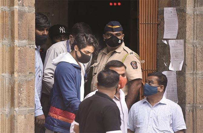 Taking Aryan to be produced in police court. (File photo)
