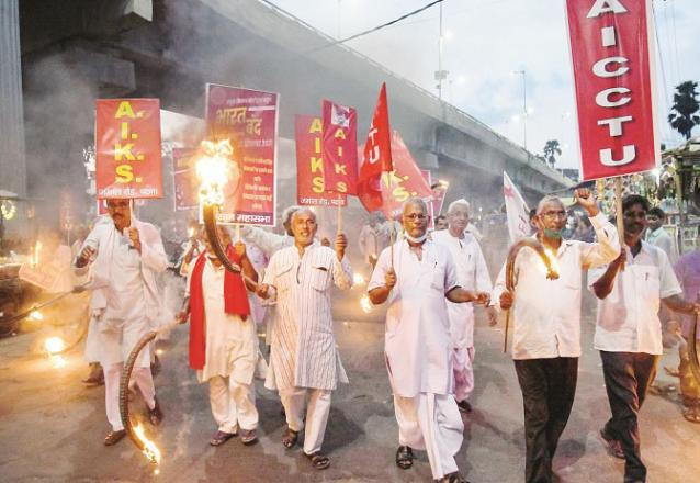 Patna: A scene of a torch-bearing procession of farmers.Picture:PTI