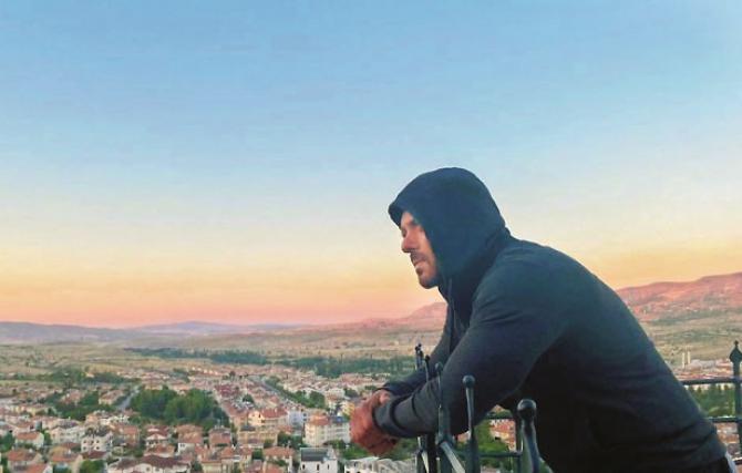 Salman Khan enjoying the sunrise.Picture:INN